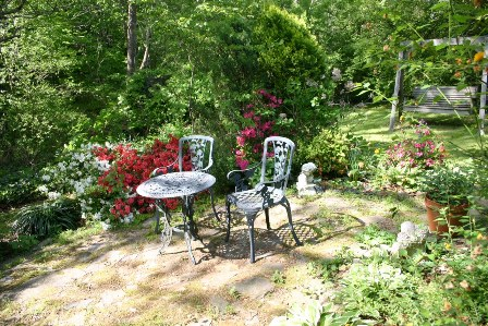 Nest prayer garden with azaleas