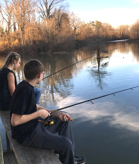 kids fishing Hannah and Davy