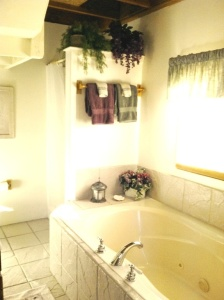 Soak your weary stresses away in our double Jacuzzi bathtub!